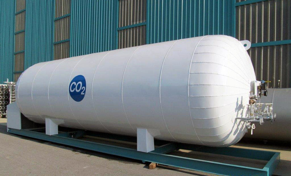 tank with liquid carbon dioxide